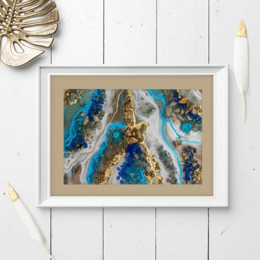 Plakat z niebieską abstrakcją i kryształkami